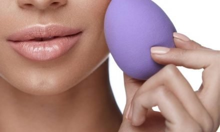 Mold on Your Beauty Sponge? Here is Why and How to Get Rid of It