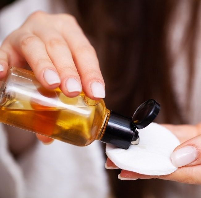 What Do Toners Do for the Skin? – How Do Toners Help the Skin and Other Toner Facts
