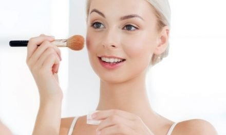 Best Natural Foundation for Dry Skin: Organic and Natural-Looking Foundation Options