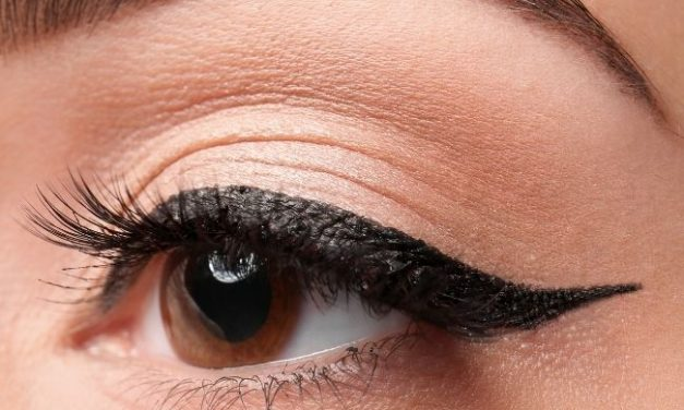 Gel vs Liquid Eyeliner: What Are the Similarities and Differences? Which Is Better?