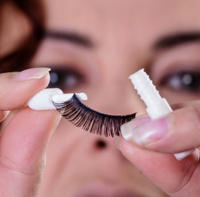 How Long Can You Leave Fake Lashes On?